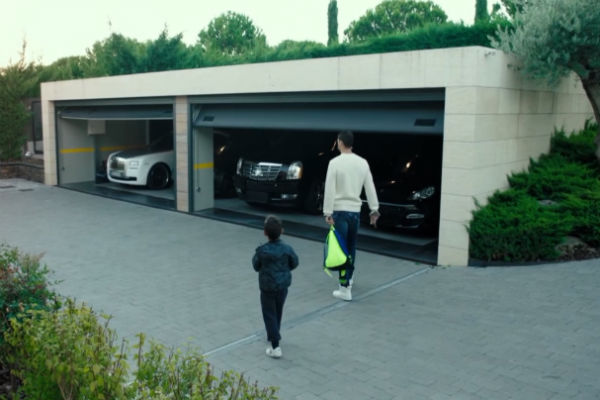 Garasi Rumah Cristiano Ronaldo